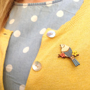 Mini Swallow Brooch Layla Amber