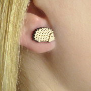 hedgehog-earrings–layla-amber–wearing-shot