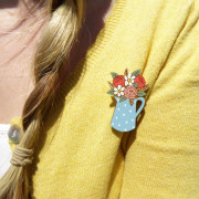 Flowers in a blue spotty jug Brooch Layla Amber