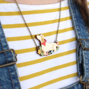 dachshund-necklace-wearing