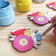 poppy-posy-necklace-making