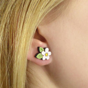 white-flower-earrings-wearing