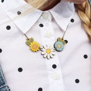 daisy wild flower necklace wearing 1