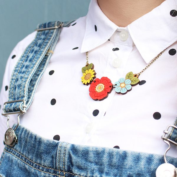 layla amber wildflower necklace