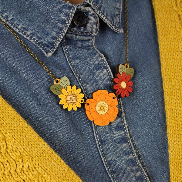 layla amber autumn willd flower necklace