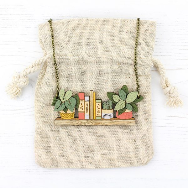 Layla Amber Plant Necklace