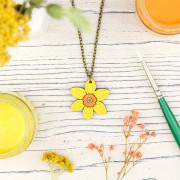 Daff necklace 1