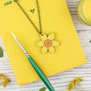 Daff necklace 2